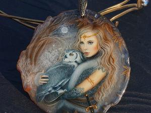 Кулон с росписью лаковая миниатюра