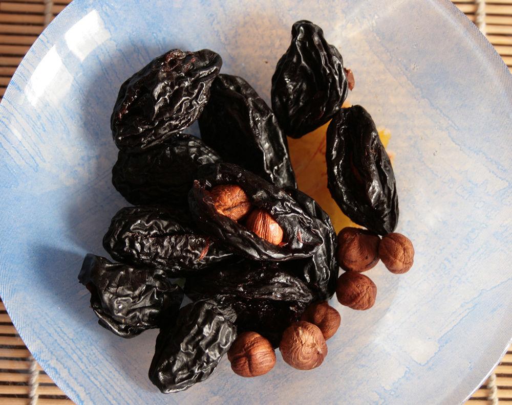 шоколад своими руками, конфеты финики в шоколаде
