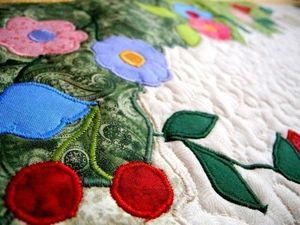 Лоскутное одеяло с аппликациями - НЕЖНОСТЬ - всмотритесь внимательнее - более 1000 деталей. | Ярмарка Мастеров - ручная работа, handmade