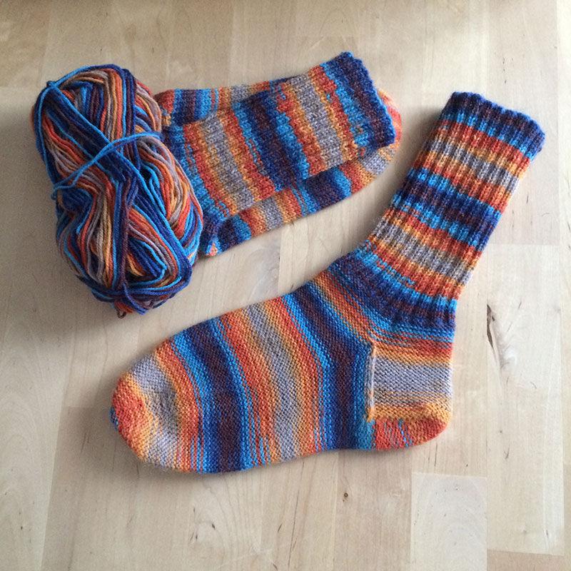 вязание для начинающих, одежда вязаная
