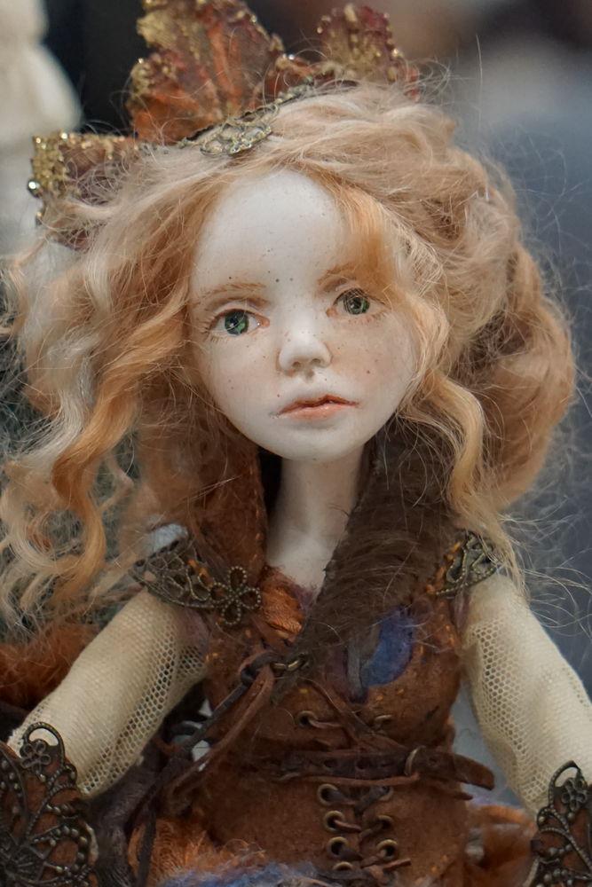 распродажа, акция магазина, коллекционная кукла