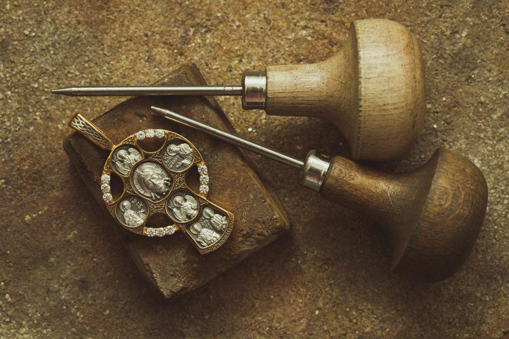 православный крест, нательная икона, браслет с молитвой, кольцо с молитвой, мощевик, образок, гайтан с молитвой, икона, венчальное кольцо, обручальное кольцо, бусина с молитвой, чётки