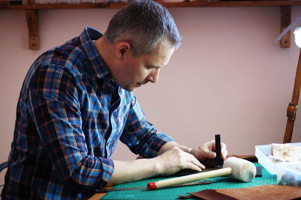 ручная работа, ремесленник, кожевенная мастерская, изделия из кожи, handcrafted leather