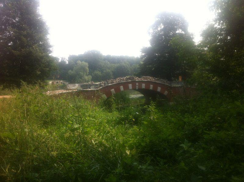 гротесковый мост