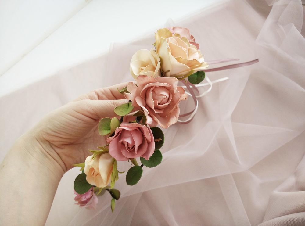 акции магазина, венок из цветов