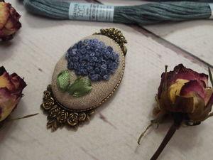 Изготавливаем брошь с вышивкой на металлической основе. Ярмарка Мастеров - ручная работа, handmade.