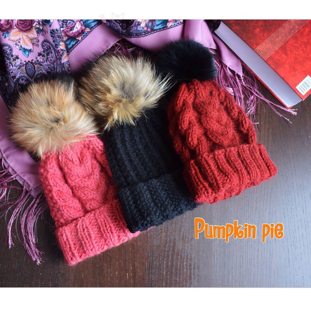 шапка, новый сезон, меховой помпон, fur, узор косами