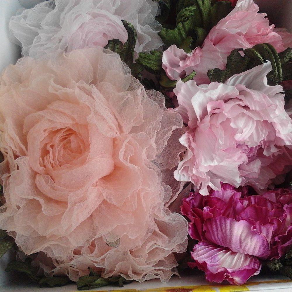 цветы ручной работы, цветы из ткани, цветы из шелка, украшения с цветами, новинки магазина, новинка в магазине, брошь, броши, брошь ручной работы, брошь с цветком