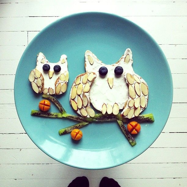 Photographer Plays With Her Breakfast to Create Imaginative Artworks 0JITaX5