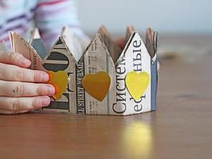 How to Make a Pretty Crown from a Newspaper. Livemaster - handmade