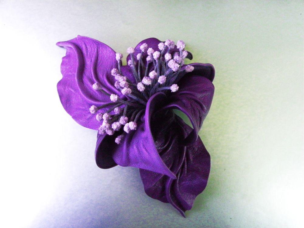 брошь цветок, брошь смреневая, объемная брошь, сиреневый цветок брошь