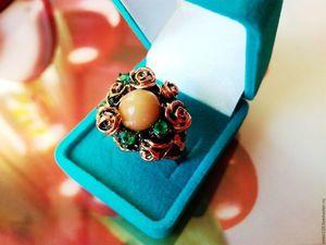 """Скидка 20% Кольцо """"Огненный цветок"""" с эфиопским опалом и изумрудами. Ярмарка Мастеров - ручная работа, handmade."""