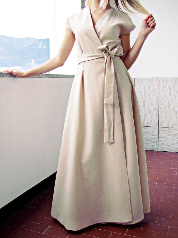 шерстяное платье, тёплое платье, бежевое платье, красивое платье