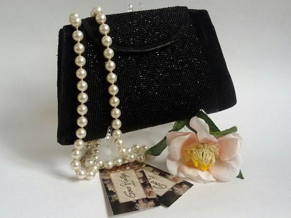 розыгрыш конфетки, розыгрыш подарка, 8 марта, сюрприз, винтаж, клатч, праздничная акция, винтажный магазин, жемчужное колье