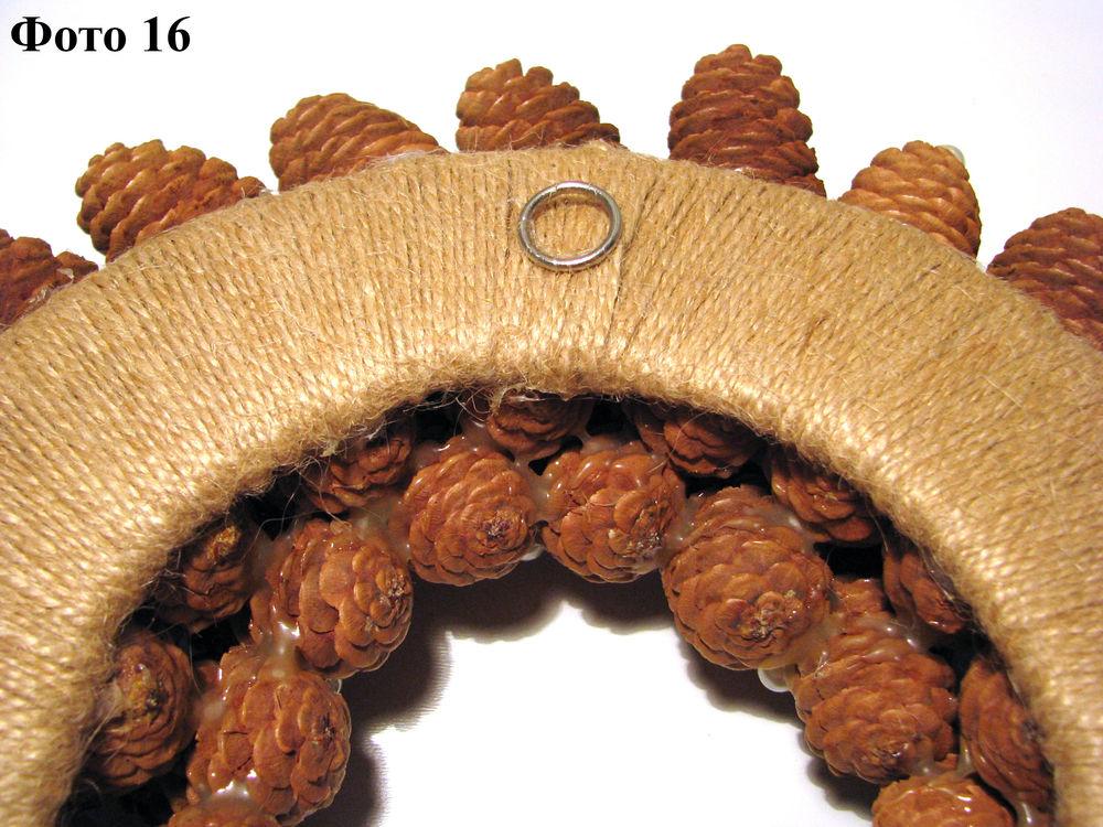 Мастерим Рождественский венок из еловых шишек, фото № 17