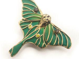 Luna moth. Брошь бабочка. Брошь из полимерной глины. Ярмарка Мастеров - ручная работа, handmade.