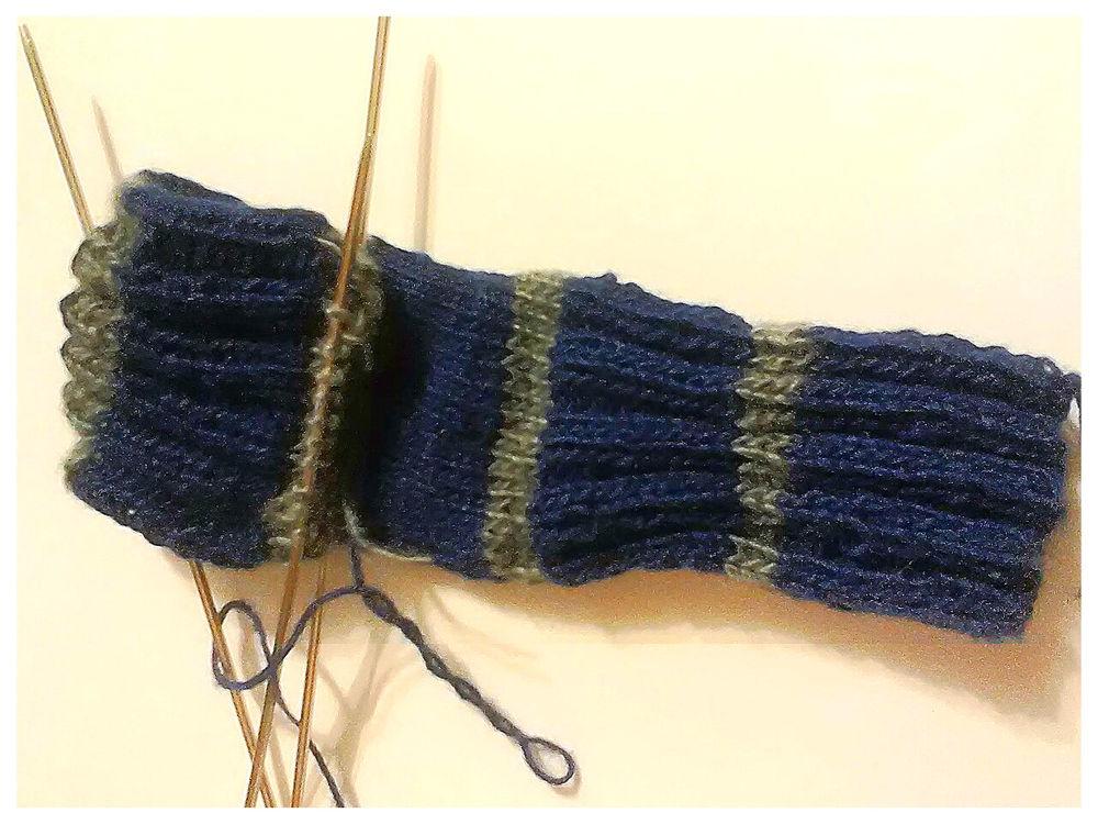 варежки-митенки, ручное вязание