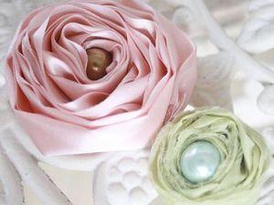 Брошек много не бывает - брошь-цветок из ткани. | Ярмарка Мастеров - ручная работа, handmade