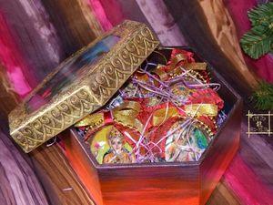 Новогодний набор индийский: Ёлочные игрушки в шкатулке. Ярмарка Мастеров - ручная работа, handmade.