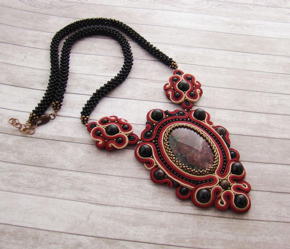 сутажный кулон, красивый кулон, ожерелье купить