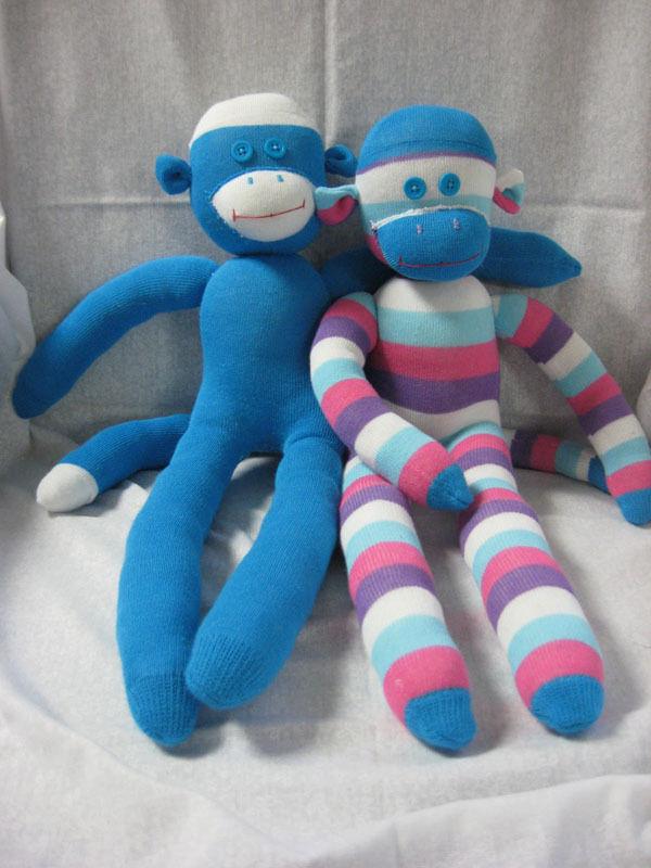 Из носков обезьяна