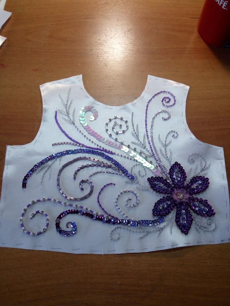 вышивка на заказ, цветы из пайеток, украшение на платье