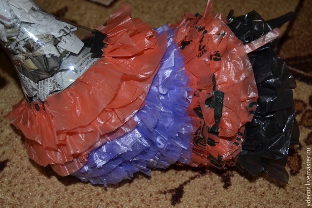 Поделки из целлофановых пакетов и скотча 32