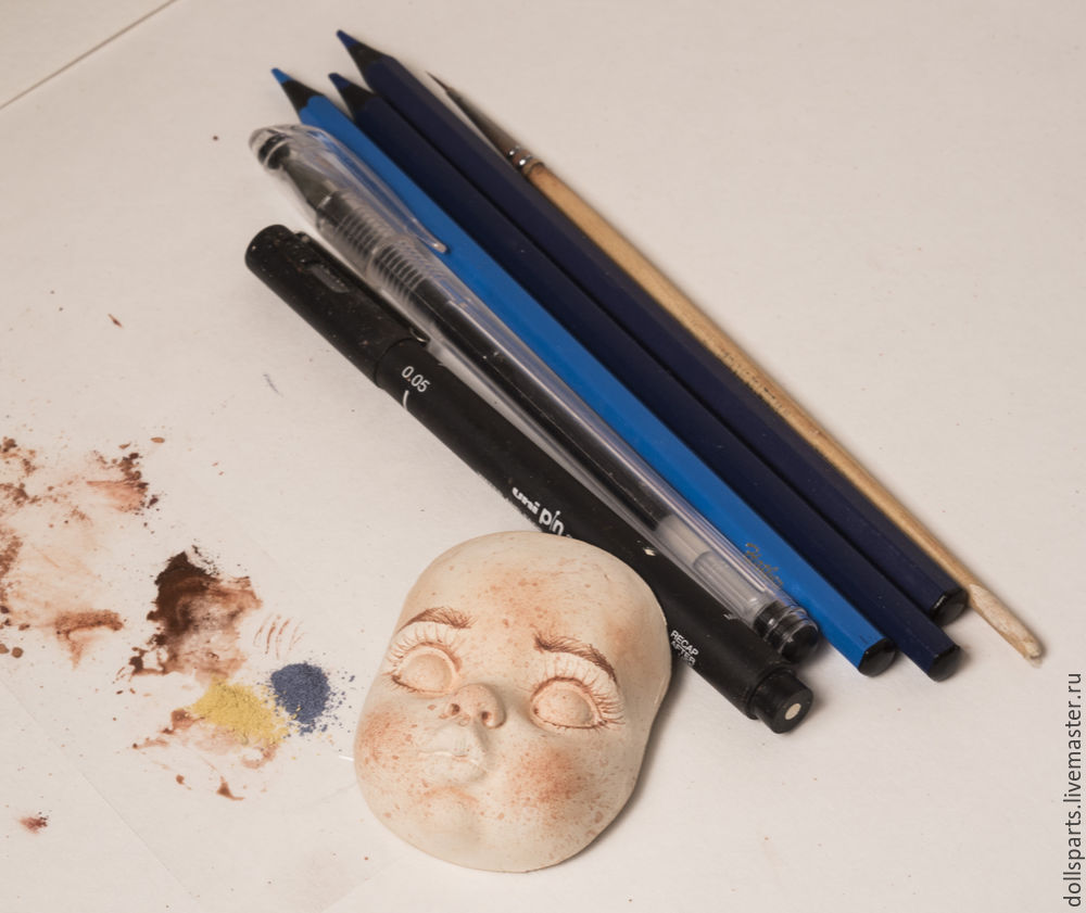 Pintura de clase magistral de la cara de una muñeca, foto número 16