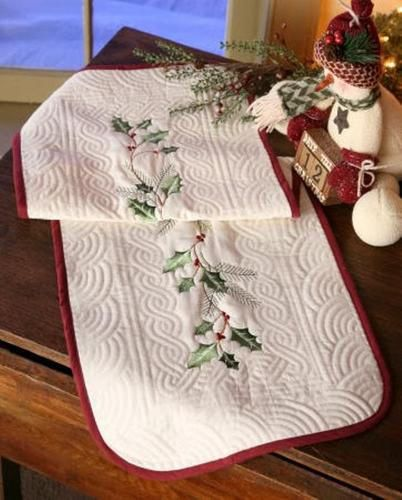 Hollyberry Quilt Table Runner 35 1 2