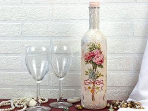 Украшаем бутылку с помощью декора в технике декупаж. Ярмарка Мастеров - ручная работа, handmade.