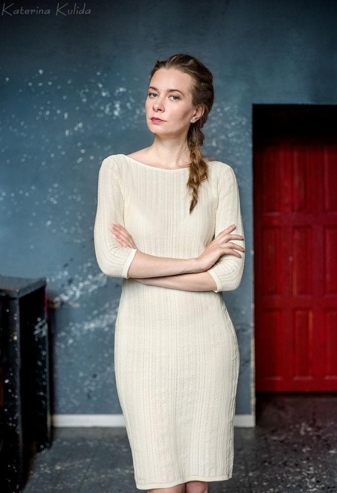 вязаное платье, новинка магазине, молочное платье, летнее платье, платье по фигуре, белое вязаное платье