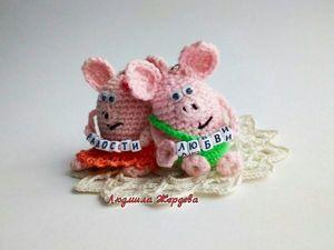 Мастер-класс по вязанию брелока свинки. Ярмарка Мастеров - ручная работа, handmade.