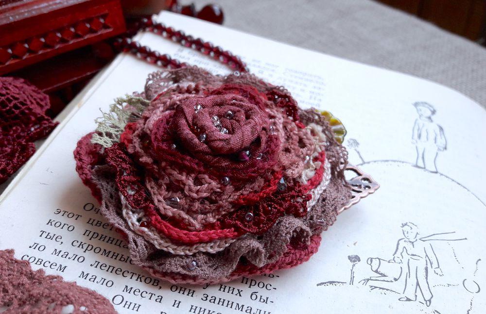 конкурс с призами, брошь-цветок, валяная игрушка