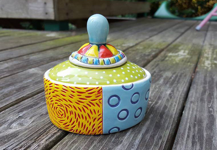A Love Affair with Clay: Bright Pottery by Charity Hofert, фото № 17
