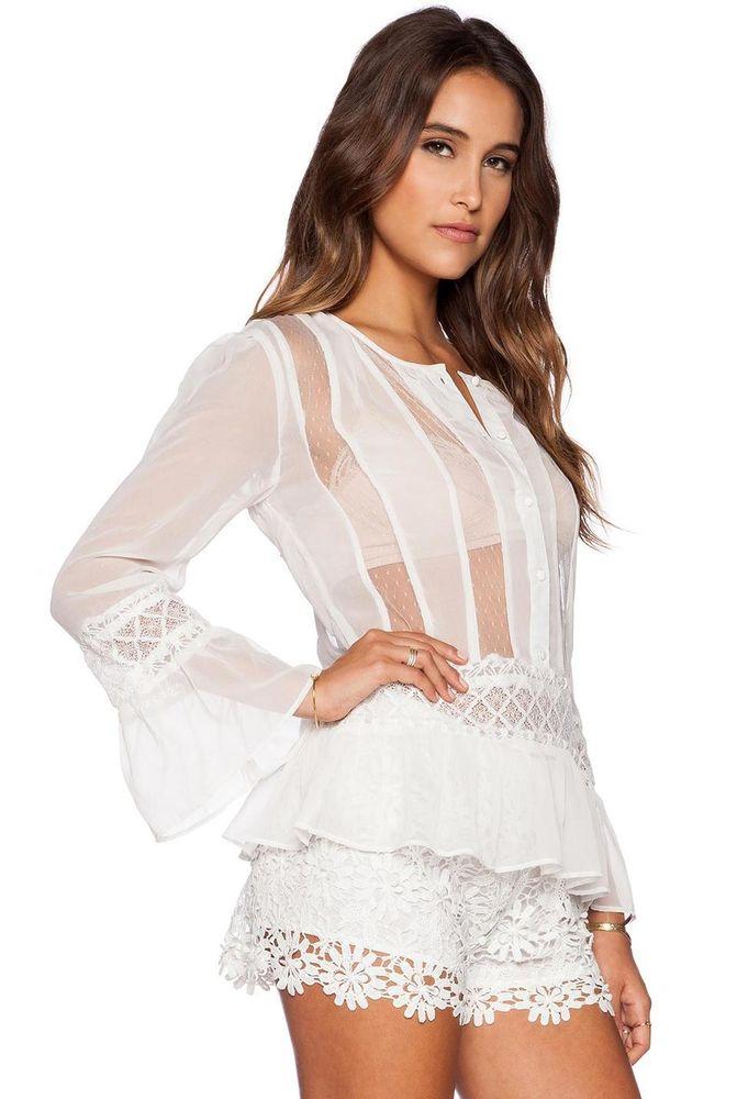 Белые кружева на платье