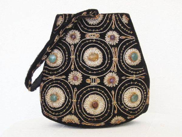 Шедевры рукоделия  винтажные сумочки 1930-1950 годов с камнями и золотным  шитьем   Ярмарка 741c39b00fb