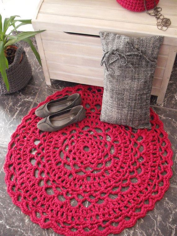 Pink crochet round rug by NavitrineShop on Etsy, €52.00