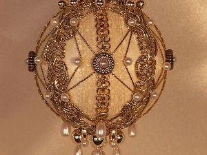 Прекрасные ёлочные шары в викторианском стиле от Jeanne Barnett. Ярмарка Мастеров - ручная работа, handmade.