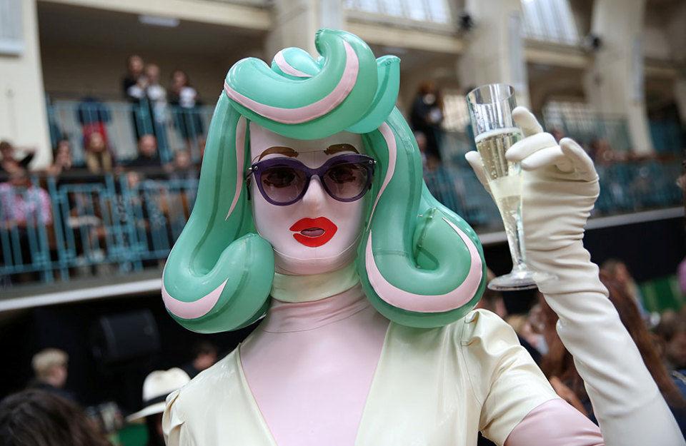 неделя моды, универсальный макияж, универсальная прическа, быстрый макияж, быстрая прическа, на скорую руку