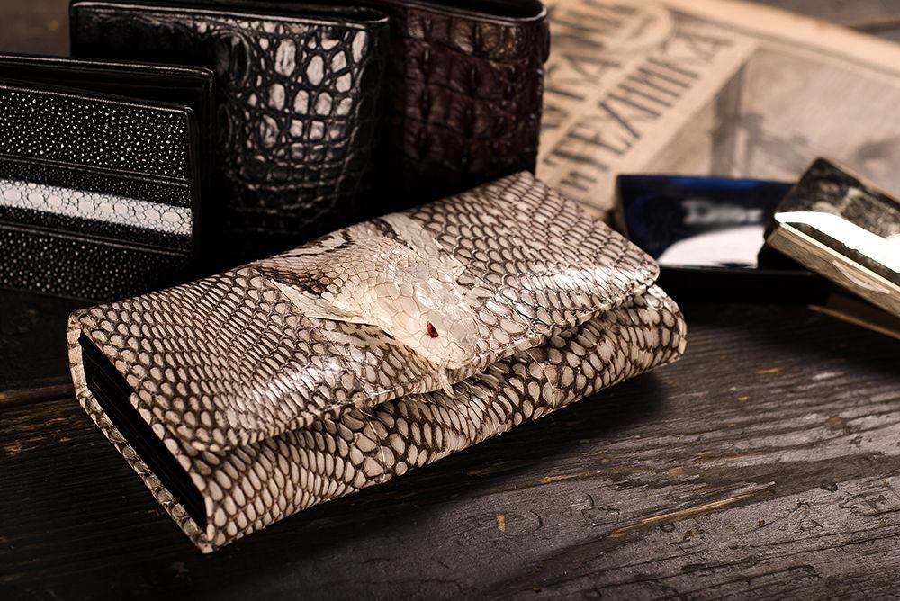 новости магазина, сумки из кобры, сумки из кобры с головой, кошелек из кобры, клатч из питона с головой