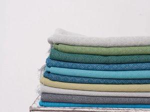 Палитра новых шалей и палантинов из коллекции