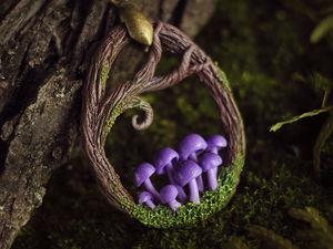 Лепим лесной кулон с грибочками из полимерной глины. Ярмарка Мастеров - ручная работа, handmade.
