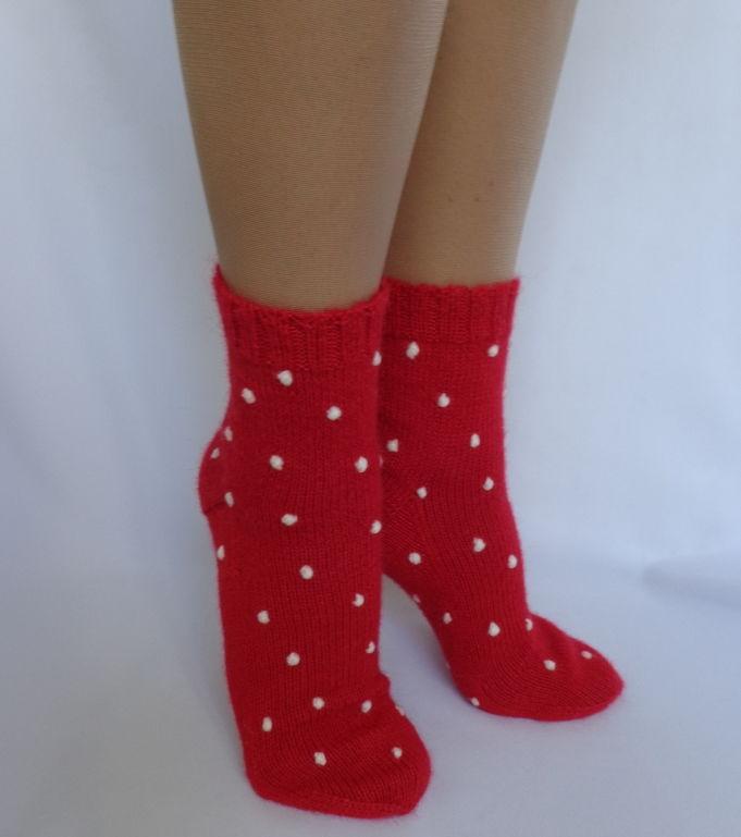 носки вязаные, новогодние носочки, подарок маме, шапка вязаная