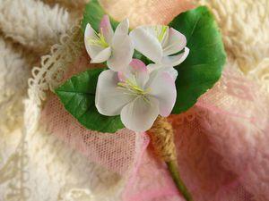 Брошь с веточкой яблони из фоамирана | Ярмарка Мастеров - ручная работа, handmade