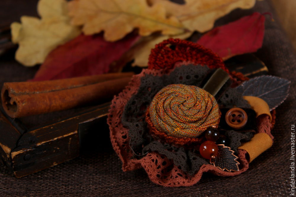 Symphony of Autumn Leaves: Creating a Textile Brooch, фото № 19