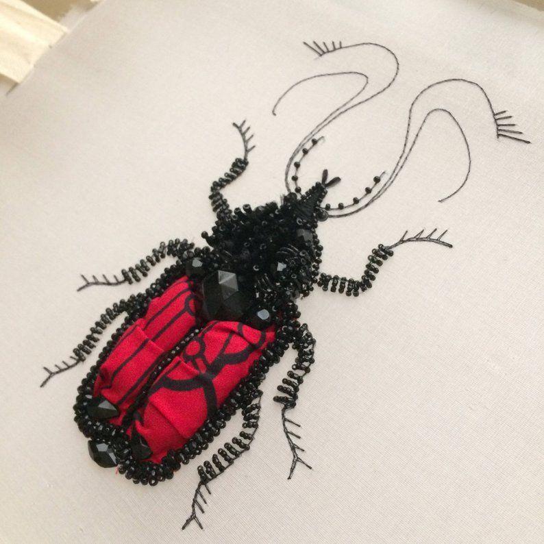 Вышитые насекомые от Noboru Hoareau