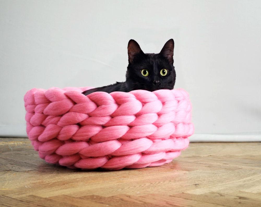 Как связать лежанку для кошки своими руками