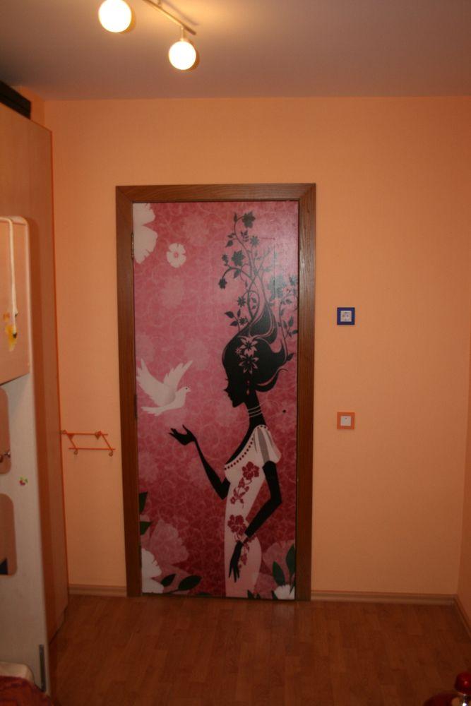 Как украсить дверь