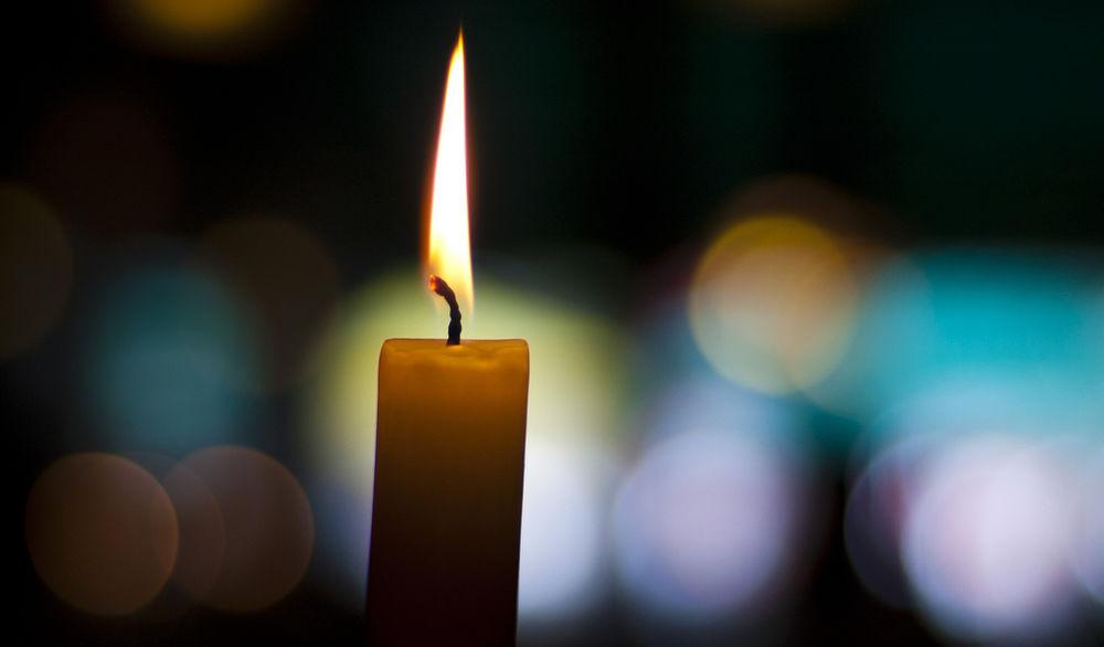 Из чего делают воск для свечей