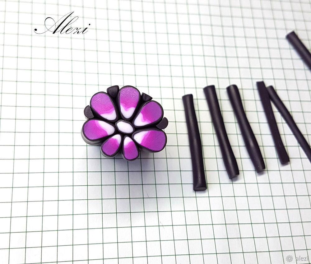 вишнево-фиолетовая брошь